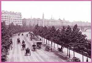 Los coches Hansom eran un medio de transporte seguro para desplazarse por la ciudad y sortear el tráfico con facilidad. Sherlock tenía otros peligros en mente cuando aconsejaba no tomar «ni el primero ni el segundo que le salgan al encuentro».