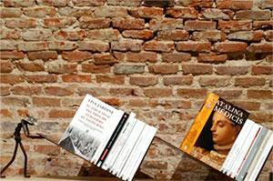 mostrador-libros-siglo-xxi